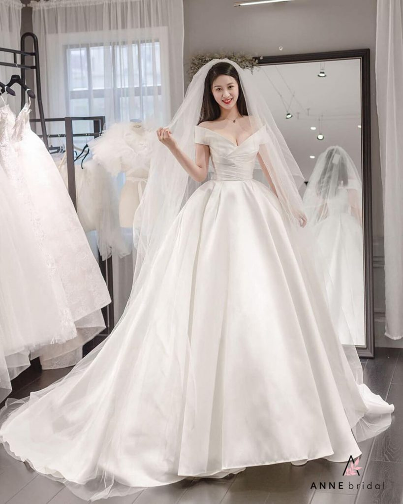 bảng giá thuê váy cưới