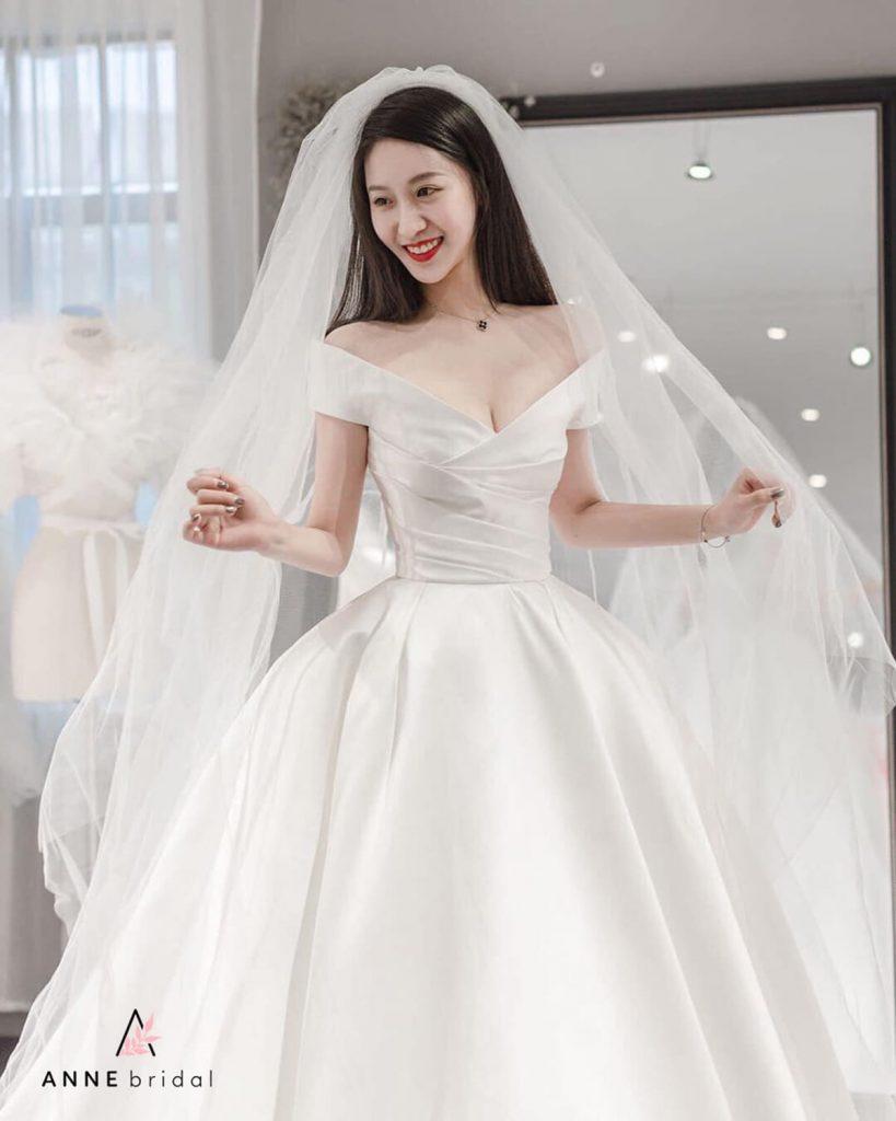 Chi phí thuê váy cưới