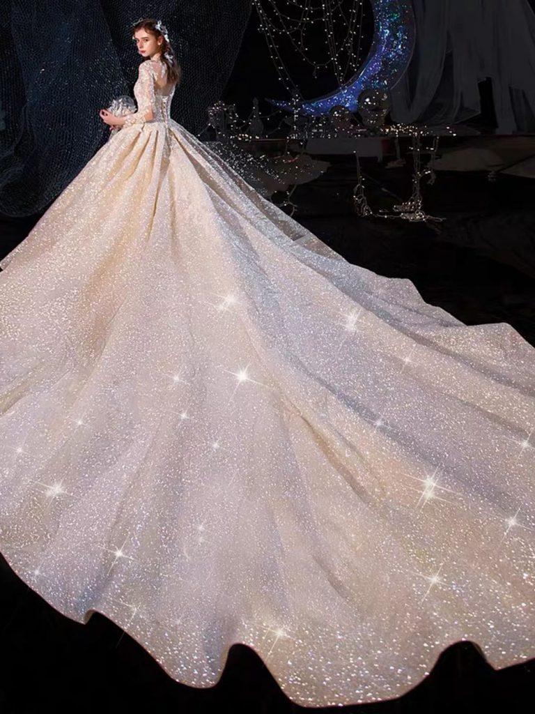 Giá váy cưới thiết kế